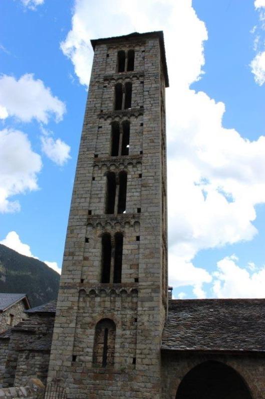 על מגדל זה אף טיפסנו. עד ענבלי 2 הפעמונים